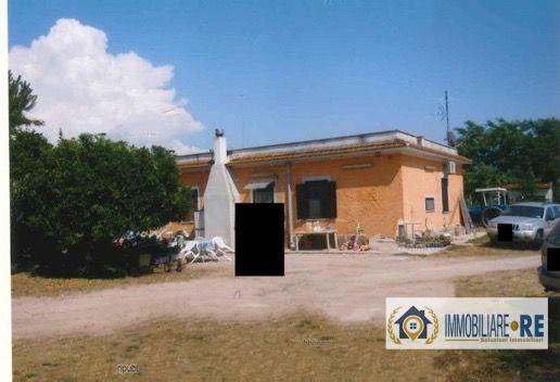Azienda Agricola in vendita a Nettuno, 11 locali, prezzo € 801.000   CambioCasa.it